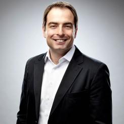 Claudio Kalim1