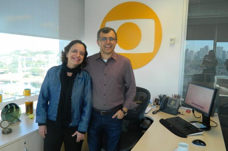 O Diretor de Marketing da TV Globo Ricardo Esturaro e Gisele Martins, Analise de Mercado, foram os responsáveis pela doação de 516 livros para a biblioteca Orígenes Lessa.
