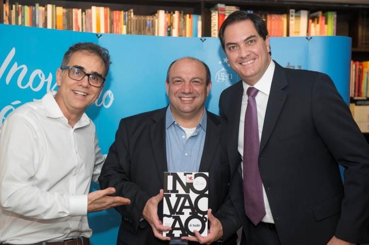 Mauricio Magalhães, presidente da TUDO, Ênio Vergeiro, presidente da APP e  Wagner Pádua Filho, autor do livro.