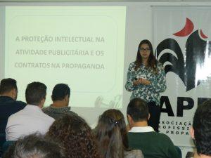 Dra Mariana Galvão